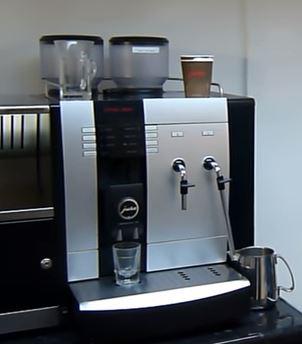 Kaffee trinken im Büro